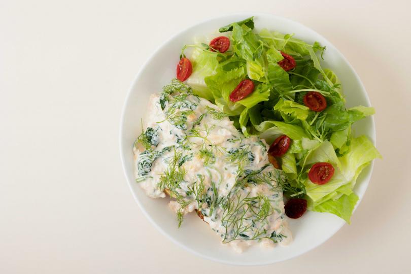 奶油鮭魚法式吐司。