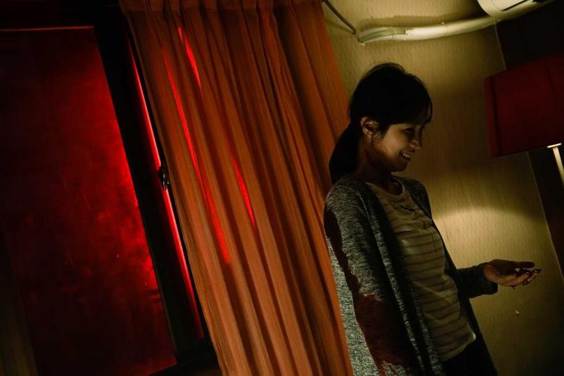 小薰在《76号恐怖書店-租屋》驚悚詭譎氛圍中挑戰演技。(圖/七十六号原子)
