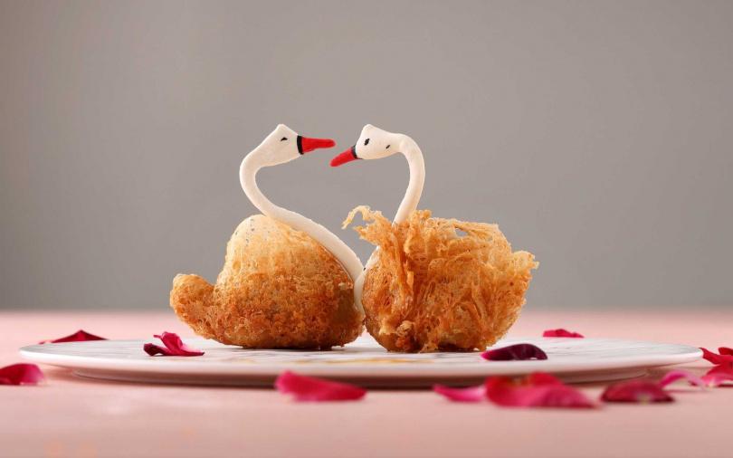 多瑙河香芋松子天鵝酥。(圖/玖尹提供)