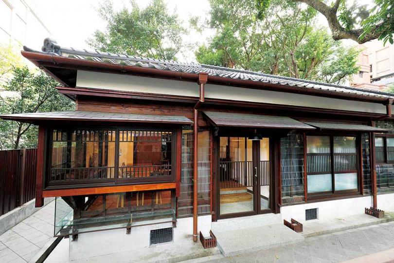 「Matcha One 齊東店」進駐「臺灣文學基地」日式宿舍群,可在此享用美食並感受百年老屋風華。(圖/于魯光攝)