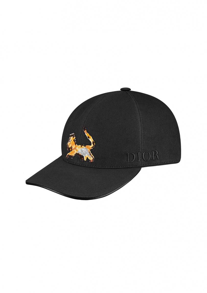 繡獅子黑色棉質棒球帽。 售價:NT21,000元