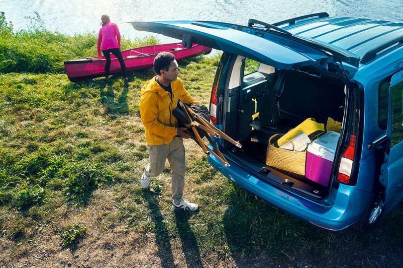隨著用車習慣的改變,Caddy Maxi也從商用、乘用,跨界到休旅功能。(圖/福斯商旅提供)