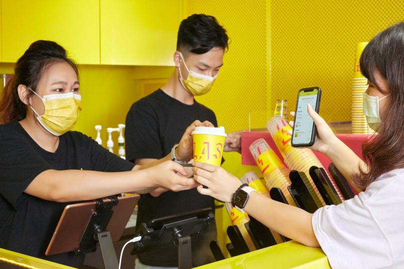 Flash Coffee主打以app線上點餐與自取。