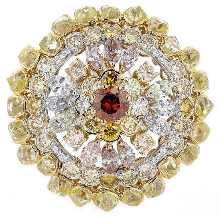 DE BEERS「Reflections of Nature」系列高級珠寶,Landers Radiance橘鑽圓牌戒指。(圖╱DE BEERS提供)