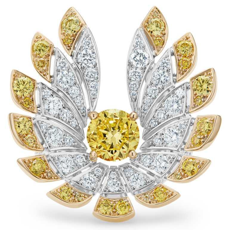 DE BEERS「Reflections of Nature」系列高級珠寶,Namib Wonder開放式鑽石戒指,鑽石總重達3.99克拉。(圖╱DE BEERS提供)