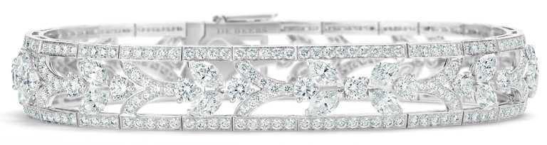 DE BEERS「Reflections of Nature」系列高級珠寶,Ellesmere Treasure鑽石手環,鑽石總重10.24克拉。(圖╱DE BEERS提供)