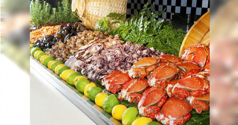 台北凱撒加碼千元的checkers自助餐廳餐券,讓大家用肥美海鮮補身