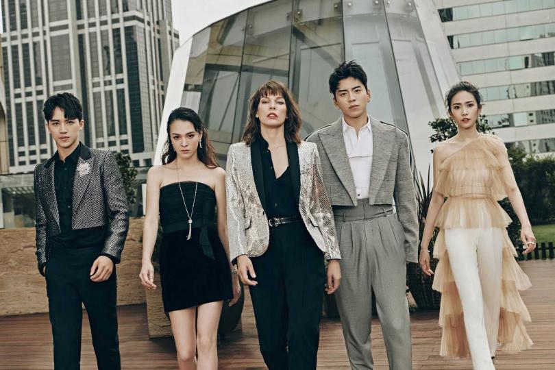 許魏洲(左起)、張榕容、蜜拉喬娃維琪、王大陸、劉美彤。