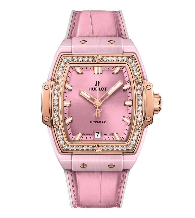 HUBLOT「Spirit of Big Bang」粉紅陶瓷黃金鑽錶,限量500只╱749,000元。(圖╱HUBLOT提供)