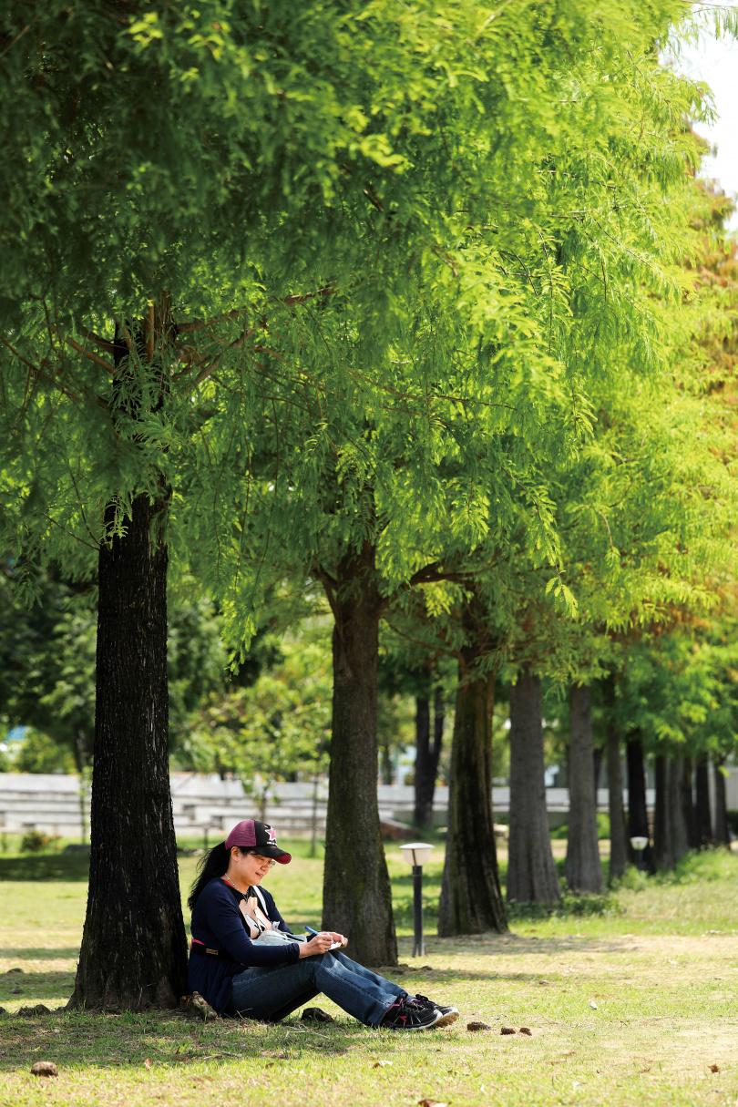 公園內多樣化的設施,成為鄰近居民活動身心的好去處。(圖/于魯光攝)
