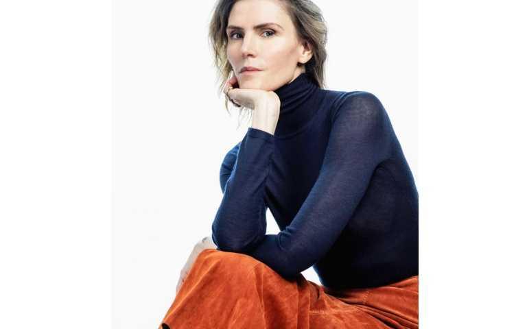 Gabriela Hearst是巴黎時尚品牌中第一位具有多元文化背景、結合烏拉圭與美國文化的女性設計師。(圖/品牌提供)
