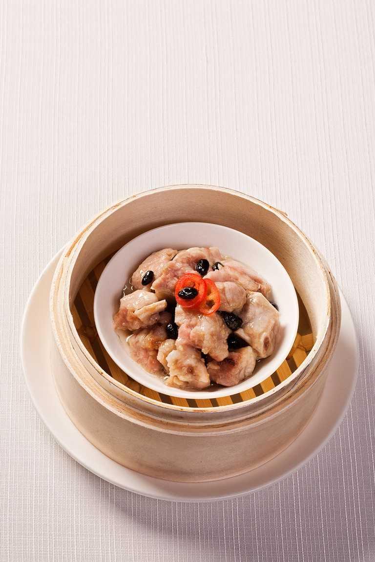 國賓粵菜廳「豉汁蒸排骨」。(160元)