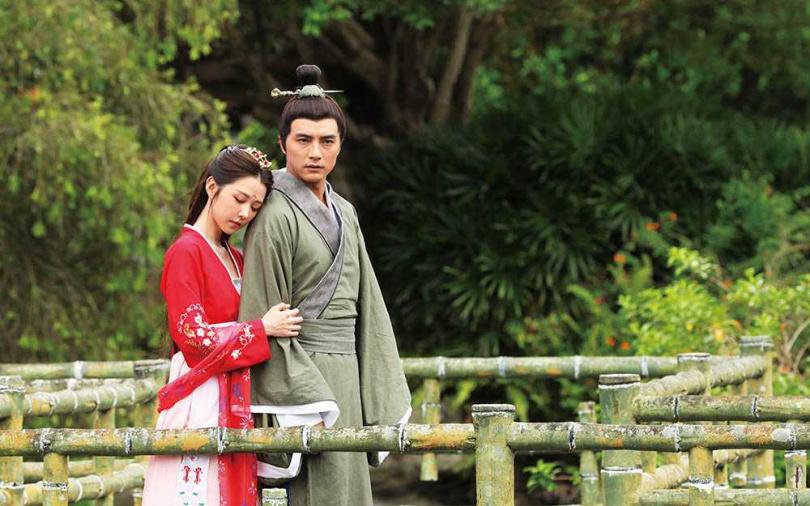 在《天巡者》扮演鬼王鍾馗的賀軍翔,戲中與邵雨薇譜千年愛戀。(圖/三立提供)