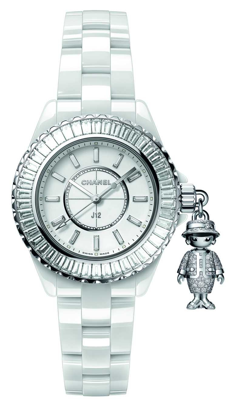 CHANEL「Mademoiselle J12 Acte II」腕錶(白色款),33mm,鑽石283顆,限量20只╱3,408,000元。(圖╱CHANEL提供)