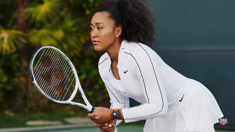日本職業網球運動員大坂直美,率性佩戴TAG HEUER「CONNECTED」智能腕錶,在墨爾本巡迴賽中表現出色,贏得2021年首個大滿貫佳績。(圖╱TAG HEUER提供)