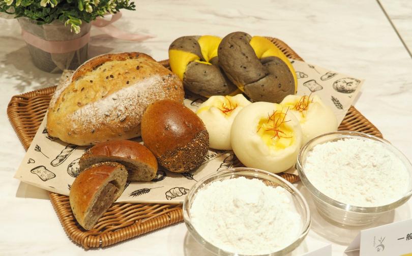 「纖女麵包」系列引進日本流行的低糖質麵粉,強調低糖高纖。(圖/魏妤靜攝)