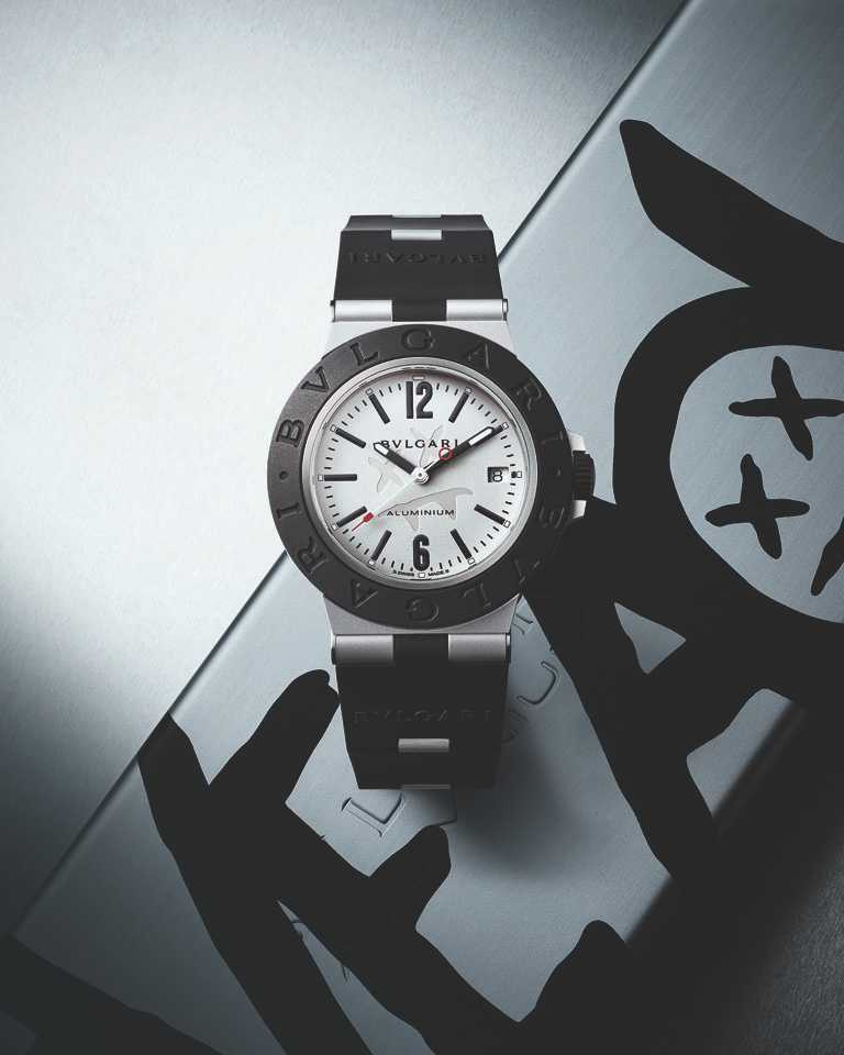 BVLGARI「Bvlgari Aluminium」Steve Aoki特別版腕錶,40mm,鋁合金錶殼,B77 Calibre自動上鏈機芯╱94,500元。(圖╱BVLGARI提供)