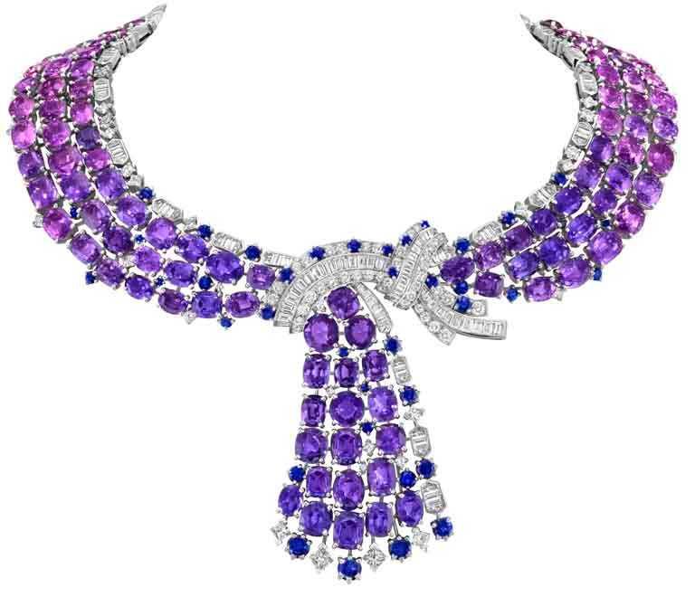 Van Cleef & Arpels「Sous les Étoiles」系列高級珠寶,「Antennae」可前後互換的項鍊白K金、154顆共重417.33克拉的枕形及橢圓形切割粉紅色和馬達加斯加紫色藍寶石、藍寶石、紅寶石、鑽石。(圖╱Van Cleef & Arpels提供)