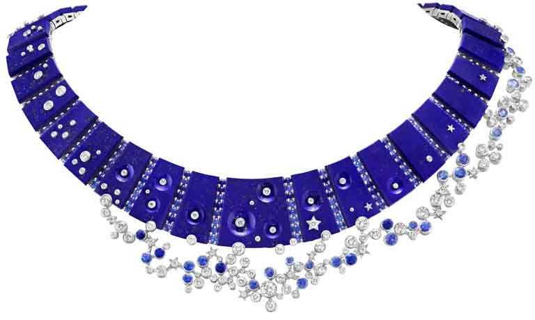 Van Cleef & Arpels「Sous les Étoiles」系列高級珠寶,「Ciel de Minuit」項鍊,白K金、藍寶石、青金石、鑽石。(圖╱Van Cleef & Arpels提供)
