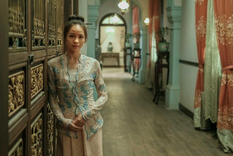黃姵嘉為戲穿上當地娘惹服飾無違和感,讓導演驚艷。(圖/Netflix提供)