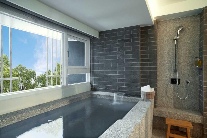入住宜蘭礁溪館的沛日式客房,兩人最低只要3154元。