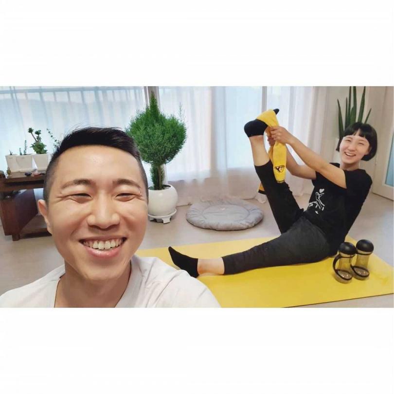 情侶可以像『韓國健身夫婦Thankyou BUBU』一起開始每天做運動。(圖/IG)