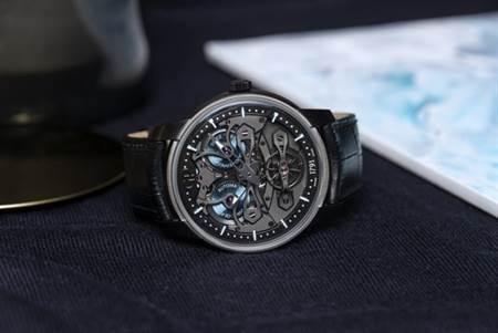 芝柏Neo Bridges無錶盤的設計,令腕錶內部的精密結構淋漓盡現。