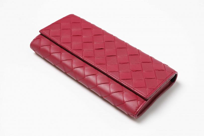 Bottega Veneta編織拉鍊皮夾(去年婆婆送的生日禮物)
