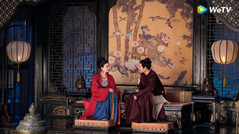江疏影(左)與王凱在《清平樂》相敬如賓。(圖/WeTV)
