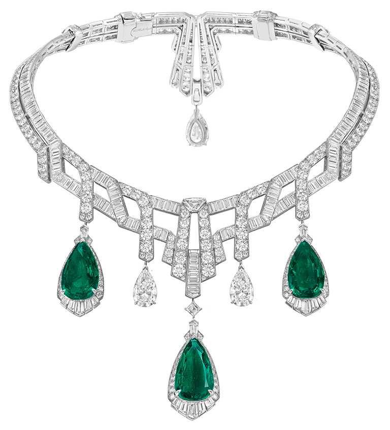 Van Cleef & Arpels「Merveille d'Émeraudes可轉換式項鍊」,白K金、5顆共重70.40克拉的哥倫比亞梨形祖母綠 、1顆重5.81克拉的DFL 2A級梨形鑽石、2顆共重7.18克拉的DIF 2A級梨形鑽石、鑽石。(圖╱Van Cleef & Arpels提供)