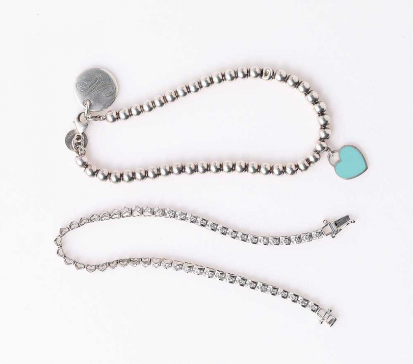 TIFFANY & Co.串珠手鍊(姑姑贈送) 珠寶店碎鑽手鍊(老公贈送)(攝影/戴世平)