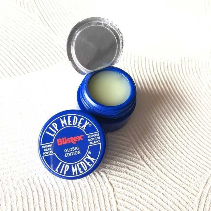 含有薄荷成分的「Blistex碧唇」保濕小藍罐,相當適合在夏天時使用。