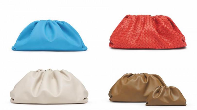 Bottega Veneta The Pouch 雲朵包,共分為標準與迷你The Pouch20兩種尺寸,再加上一款小巧零錢袋。