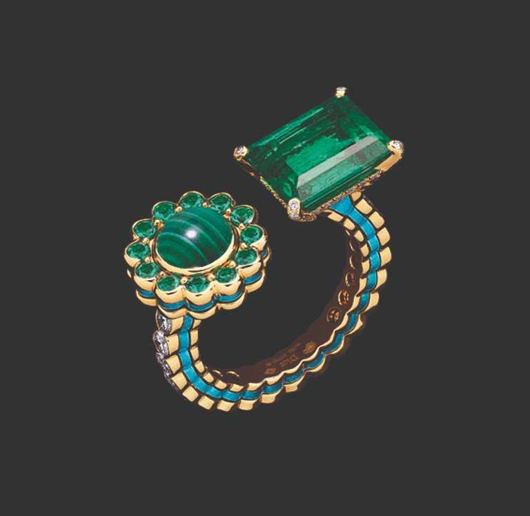 「Dior et Moi系列」高級珠寶,祖母綠戒指╱4,000,000元。(圖╱Dior提供)