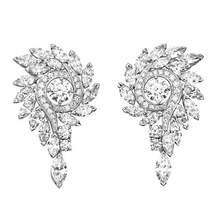 PIAGET「Extremely Piaget系列」18K白金鑽石耳環╱5,400,000元。(圖╱PIAGET提供)