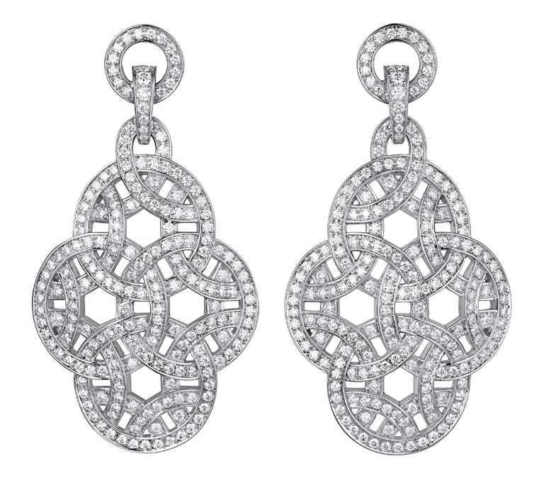 CARTIER「Paris Nouvelle Vague系列」鑽石耳環╱1,780,000元。(圖╱CARTIER提供)