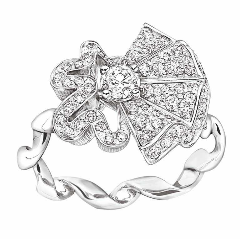 DIOR「Archi Dior系列」COCOTTE白金鑽戒。(圖╱DIOR提供)
