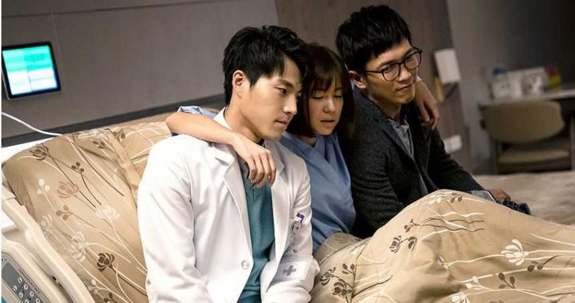 唐振剛(左起)、林予晞、黃尚禾的三人友情相當感人。(圖/TVBS 提供)