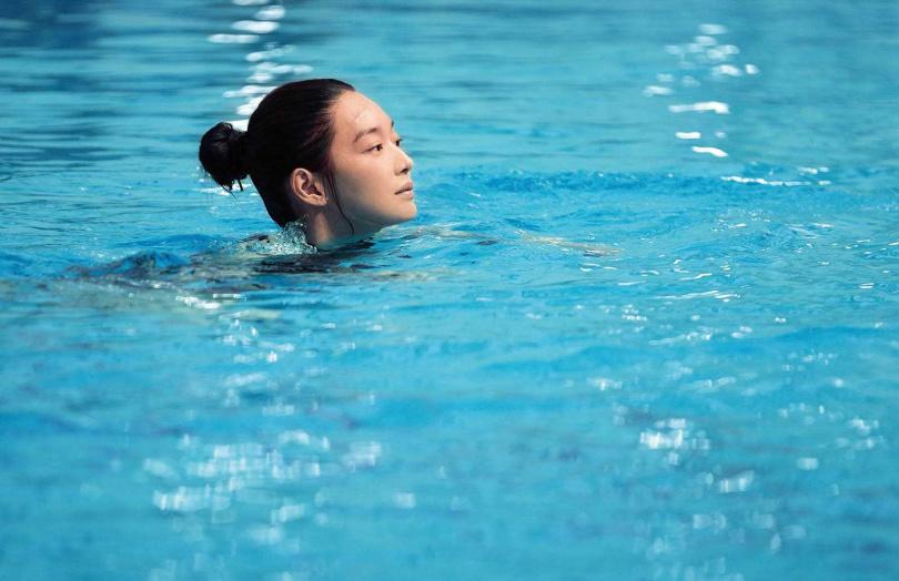 在《詭憶》飾演跳水選手的申敏兒,透露水池深達5公尺,浮出水面前會感到不安。(圖/翻攝申敏兒IG)