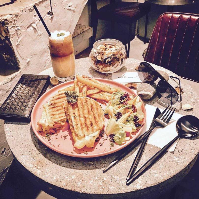 圖片來源:Humble beginnings café 亨寶咖啡臉書