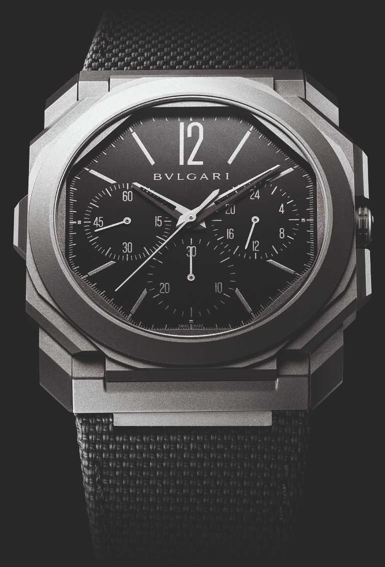 BVLGARI「Octo Finissimo Chronogrph GMT Titanium」超薄計時兩地時區腕錶,42mm,鈦金屬錶殼,寶格麗自製BVL 318計時兩地時間機械機芯╱535,000元。(圖╱BVLGARI提供)