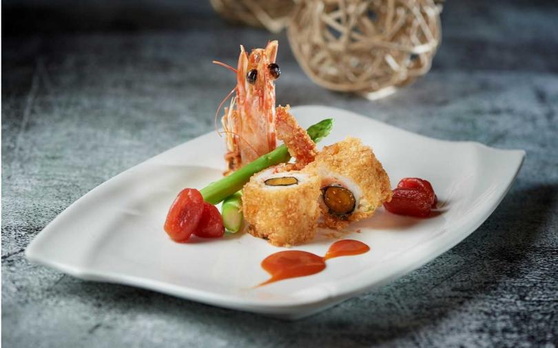 鹹蛋黃大蝦。(圖/台北福華大飯店蓬萊邨提供)