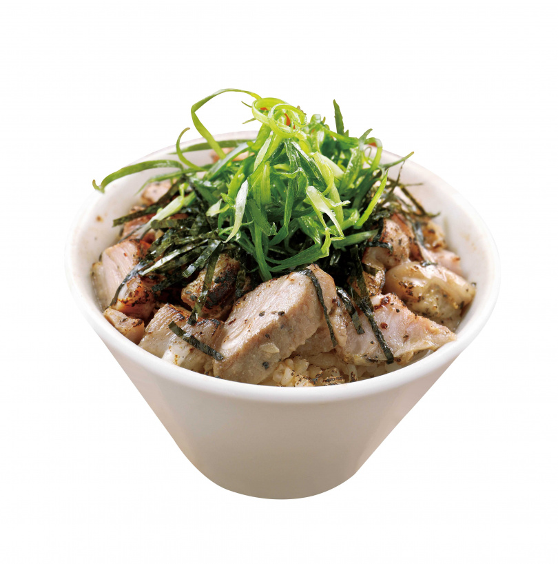 「Mini叉燒飯」利用炙燒過的叉燒碎肉搭配美乃滋,香氣令人食指大動。(60元)(圖/于魯光攝)