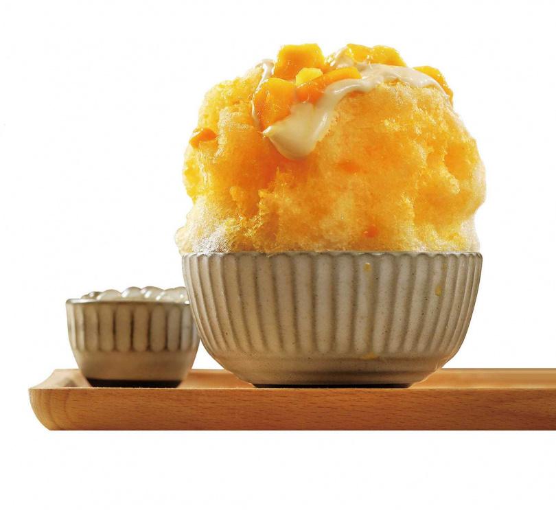 鋪滿當季新鮮愛文芒果果粒與果醬的「黃金獵犬」,是夏日限定的好滋味。(180元)(圖/于魯光攝)