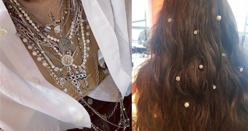 不管是優雅的珍珠髮飾、中性珍珠銀項鍊,各種風格的珍珠都時髦好駕馭。(圖/hyunah_aa IG)
