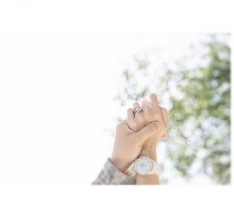 潘嘉麗24日突然自行公布結婚喜訊。(圖/翻攝自潘嘉麗IG)