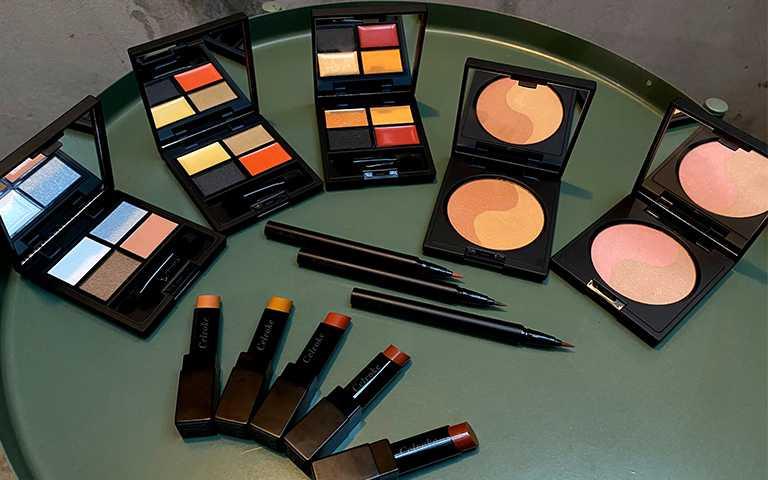 Celvoke秋冬彩妝系列共13件品項,每種都搭上南瓜色趨勢,全系列8/2上市。(圖/彭靖芸攝)