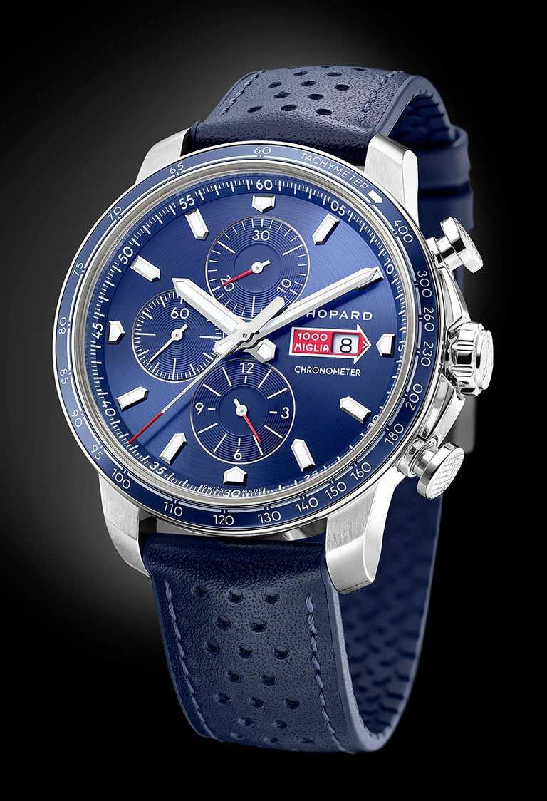 CHOPARD「Mille Miglia GTS Azzurro計時碼錶」,精鋼錶殼,44mm,限量750只╱262,000元。(圖╱CHOPARD提供)