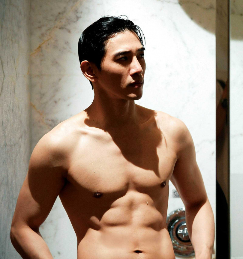 對體態要求完美,張立昂勤健身並忌口,在《浪漫輸給你》展現好身材。(圖/三立提供)