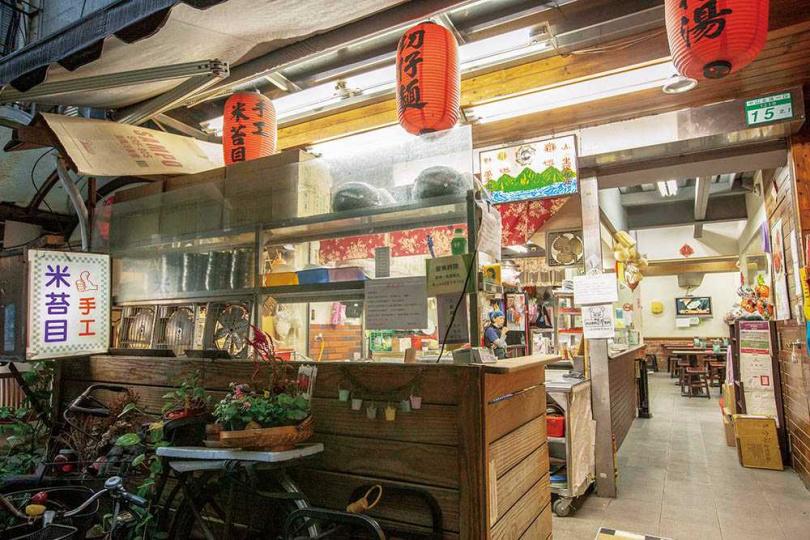 開業逾50年的「天津街米苔目」,隱藏在條通。(圖/林士傑攝)